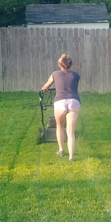 Celebrity Mowing Lawn Nude Pic