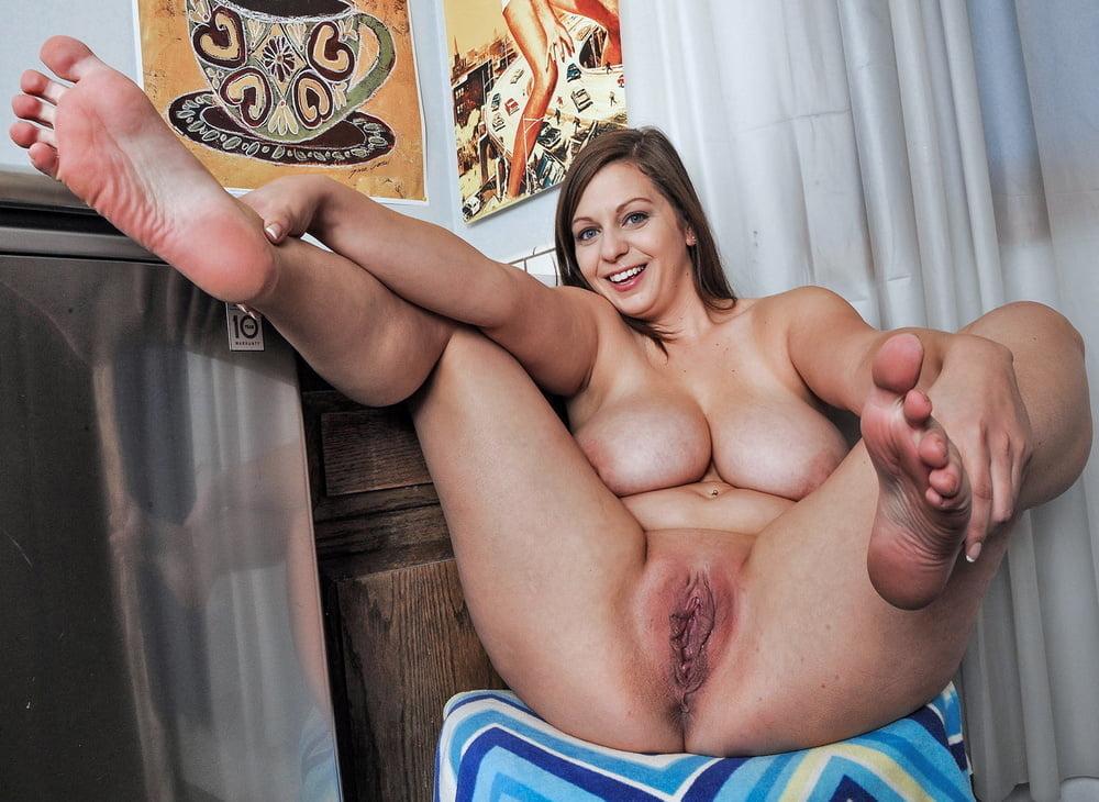 Full figure girls nude