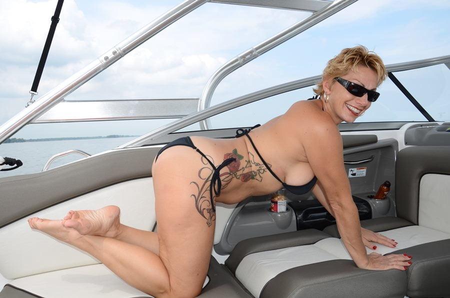 AZwifeChelle s big Webwhore milf wife