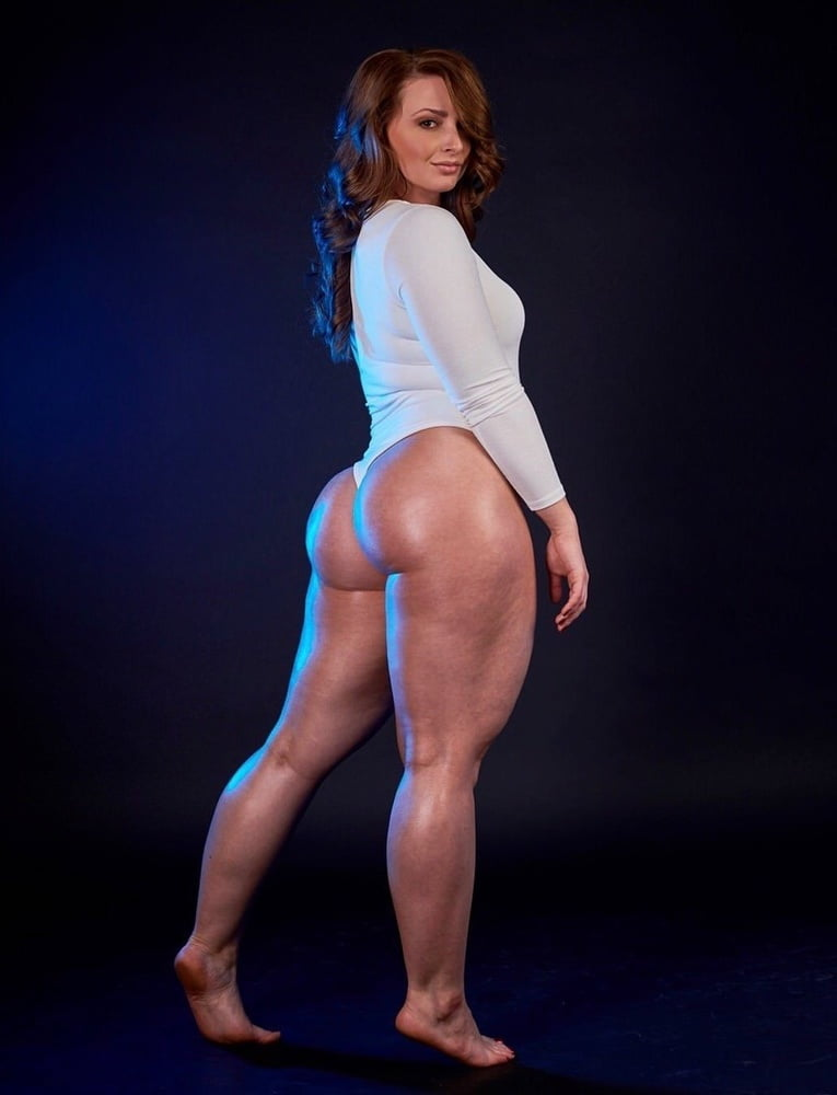 Thick and sexy - 121 Pics