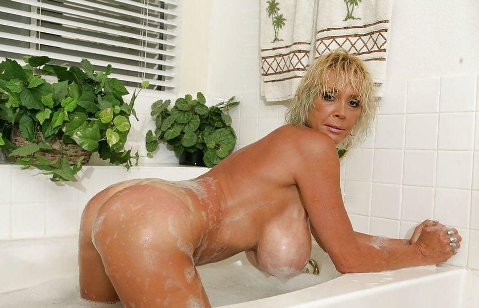 хом видео зрелая блондинка в ванной - 14