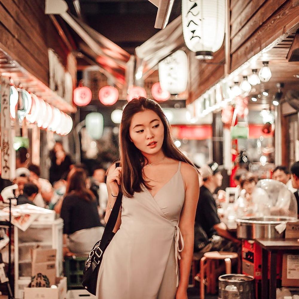 Singaporean department store clerk - 1 part 10