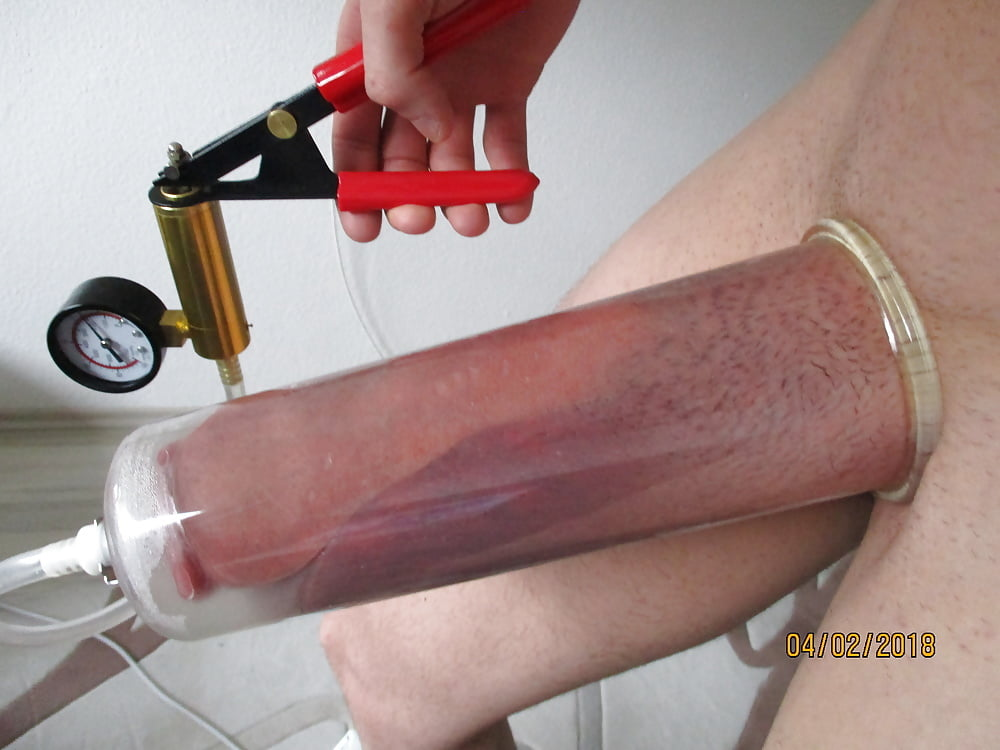 Live Penis Pump Demo