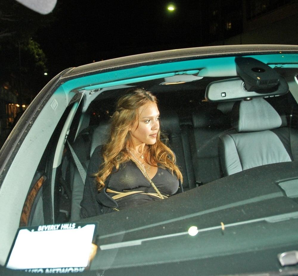 Celebrity Boobs - Jessica Alba - 92 Pics
