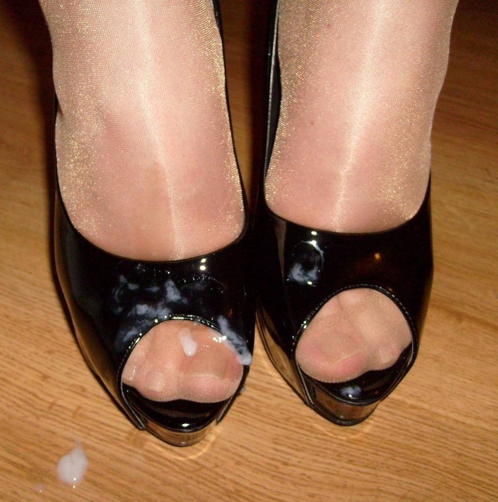 Туфли в конче фото, мужик жену привел к доктору трахнул жену