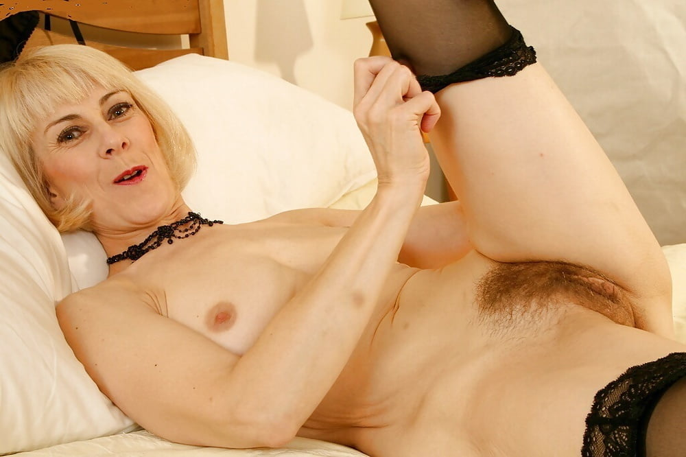 British mature picture woman