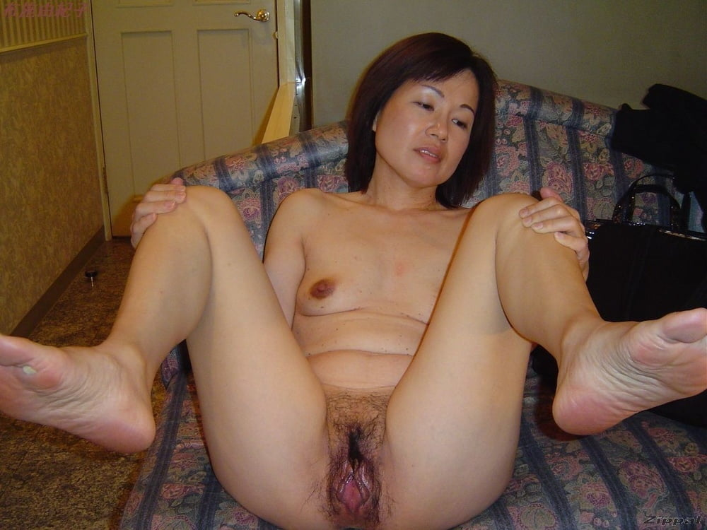 Amateur Hot Ass Asian Housewife Mayumi Chikazawa Gets A Cumshot