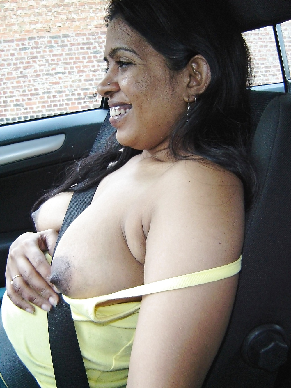 Desi Indian Milf Loves Exposing Herself Outdoors 2 - 8 -5978