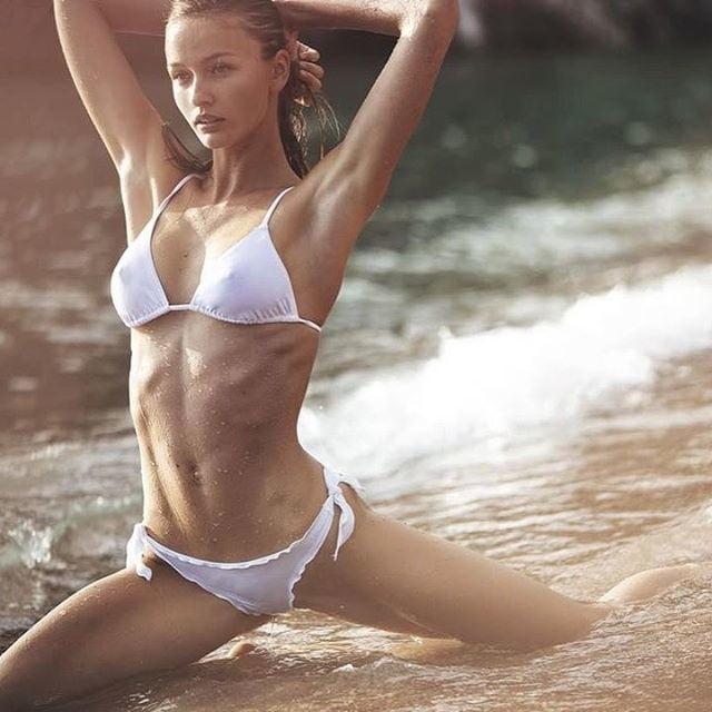 Kristina Romanova  nackt