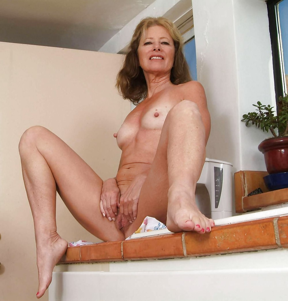 See and save as mature beauty janet l porn pict