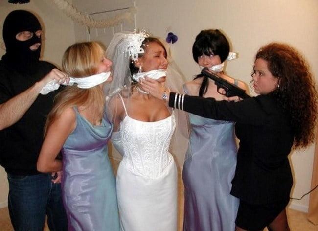 привязали невесту видео снимал говорил