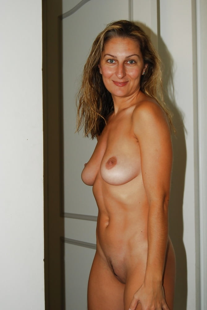 SDRUWS2 - GORGEOUS FRENCH BLONDE MILF WIFE I'D LOVE TO FUCK- 29 Pics