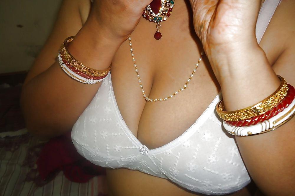 Big boobs desi aunty sex-5564