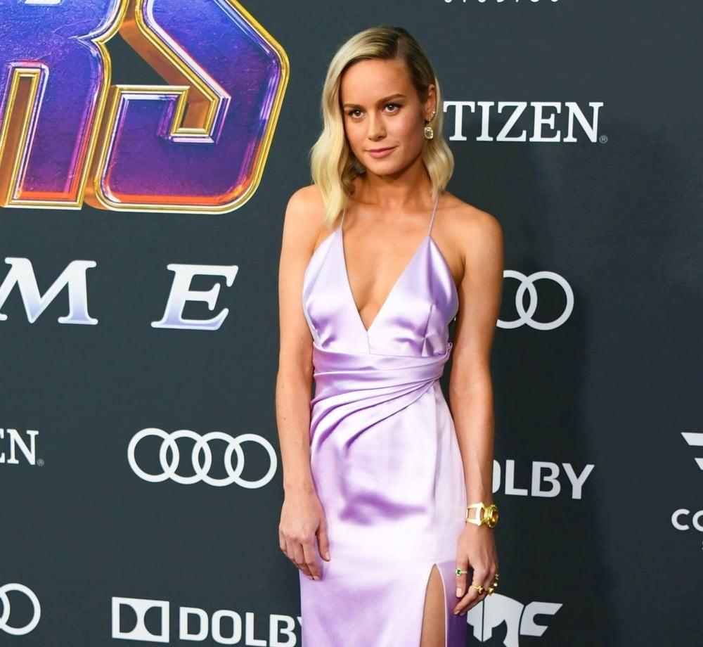 Brie Larson takeout box - 169 Pics