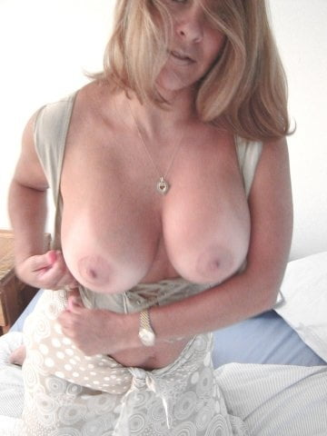 Hot mature latina women-9145