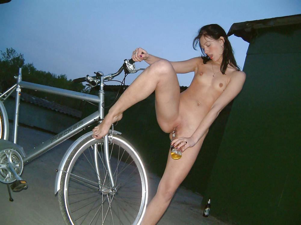 Alyssa Fucked Outdoors And Rides A Dildo