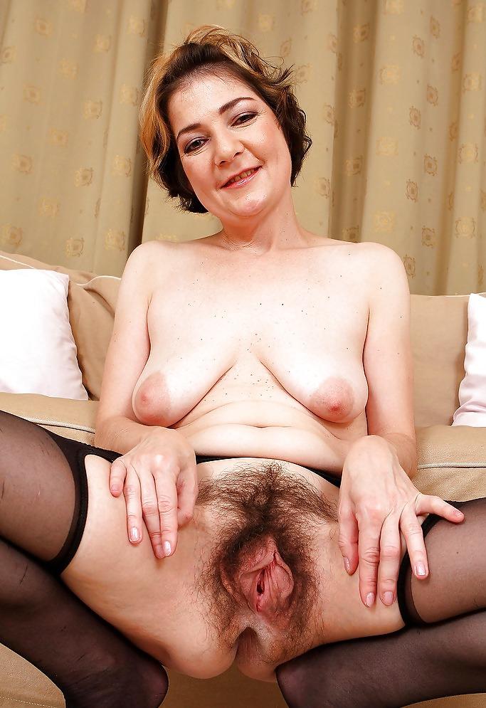 Порно фото зрелых волосатых пиздой 2