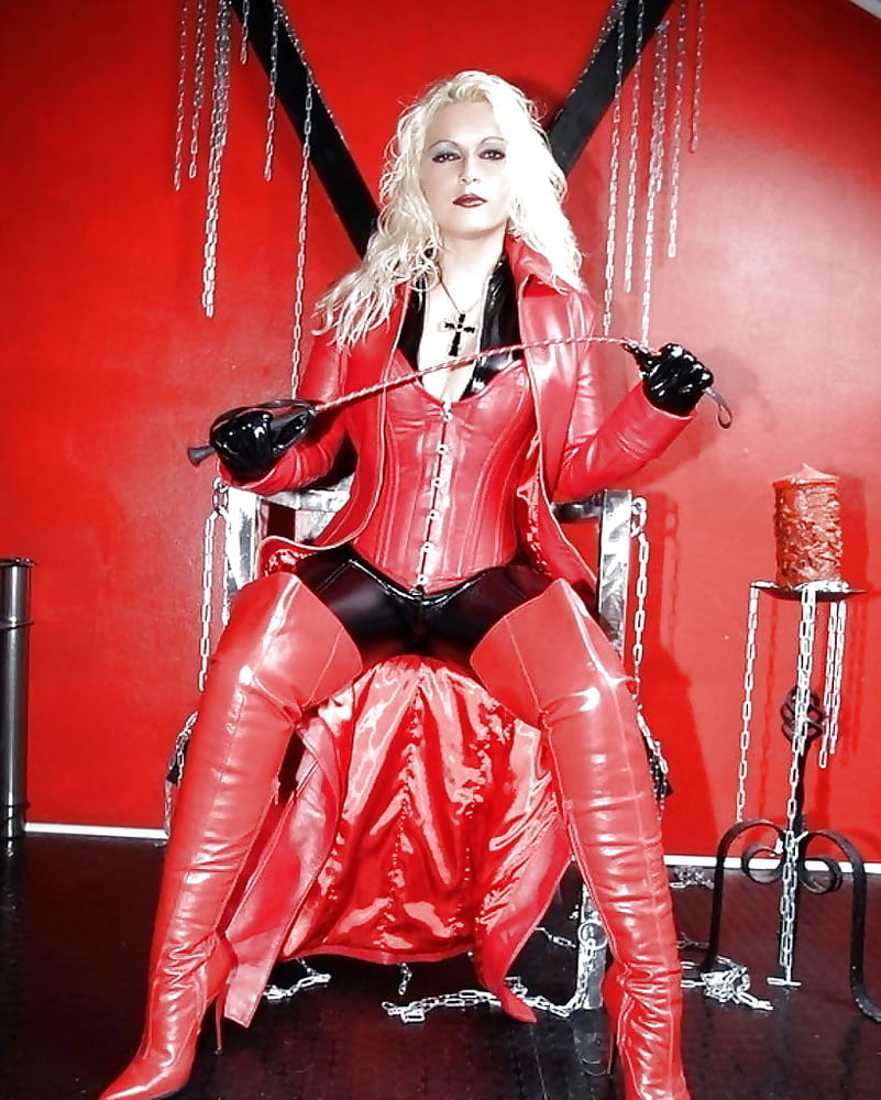 Pin On Sexy In Latex