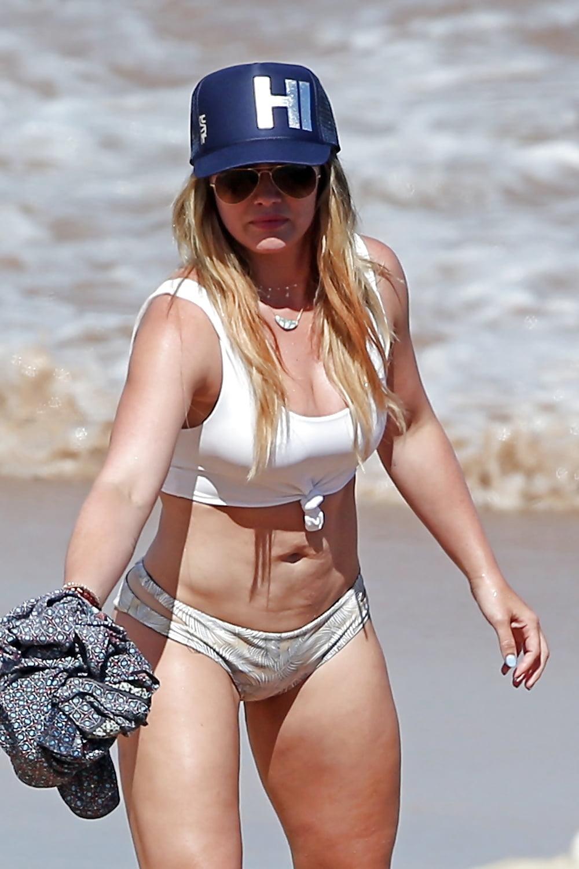 Hilary duff ina bikini