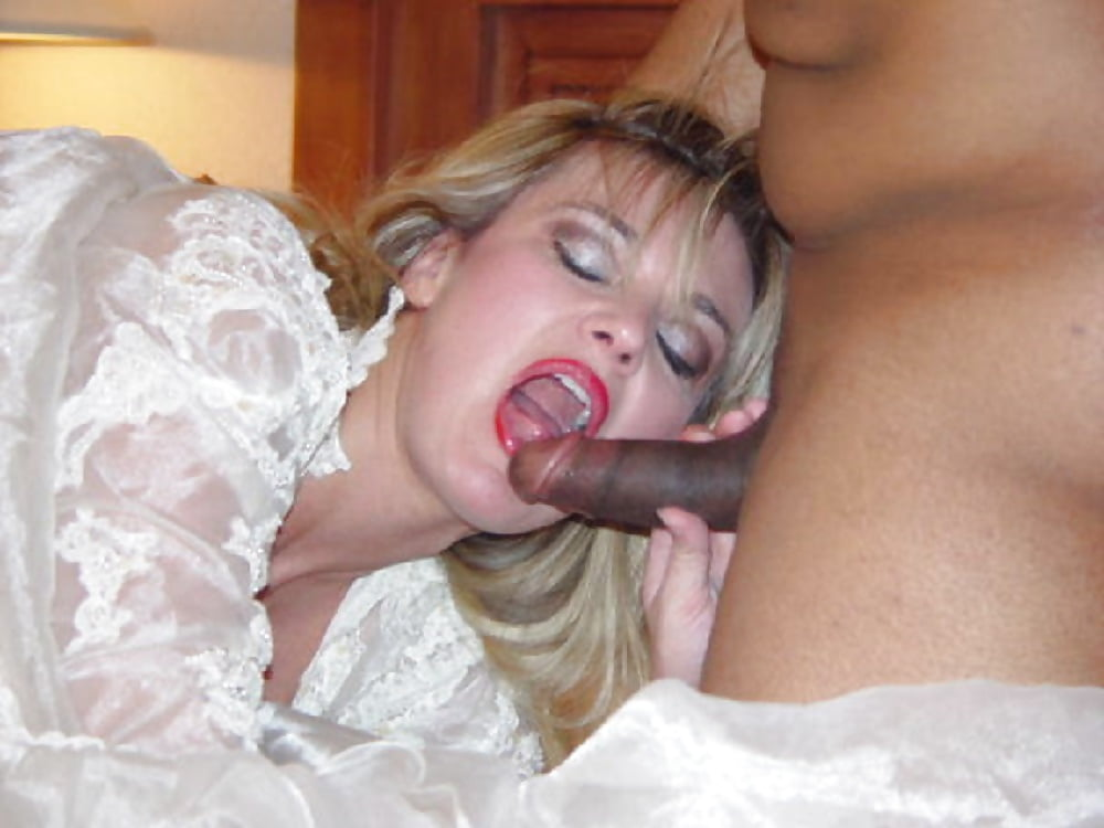 Guy Fucked In The Car Beautiful Bride, Getting A Blowjob