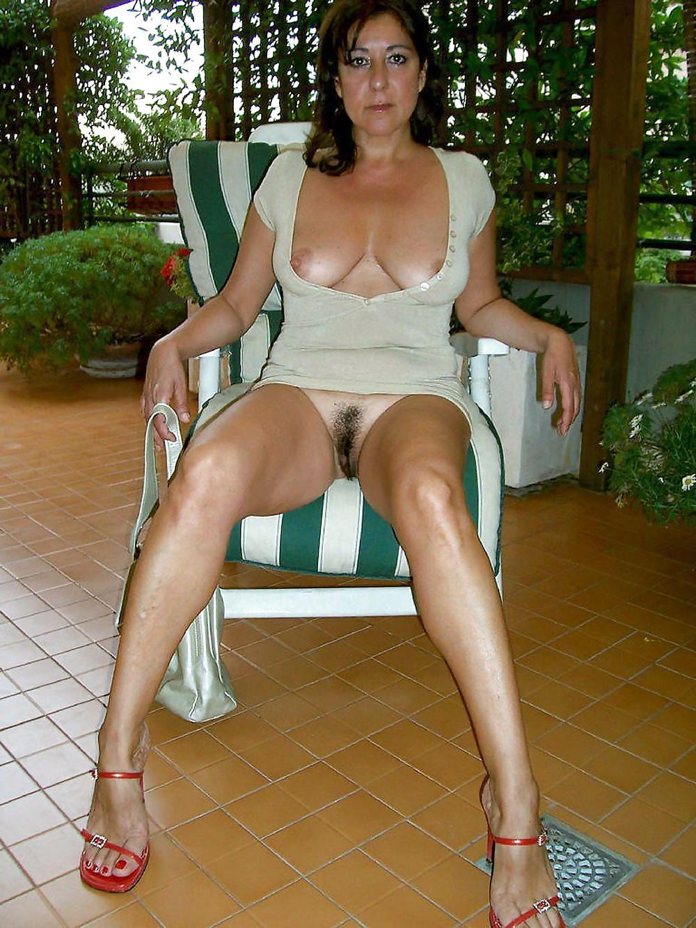 Скайпе откровенной фото порно женщины возрасте в юбках ютуб оргии девушки
