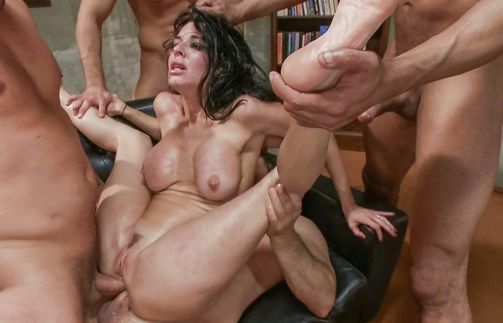 porno-video-gang-bang-soski-chleni-porevo-figuristaya-bryunetka-porno-video