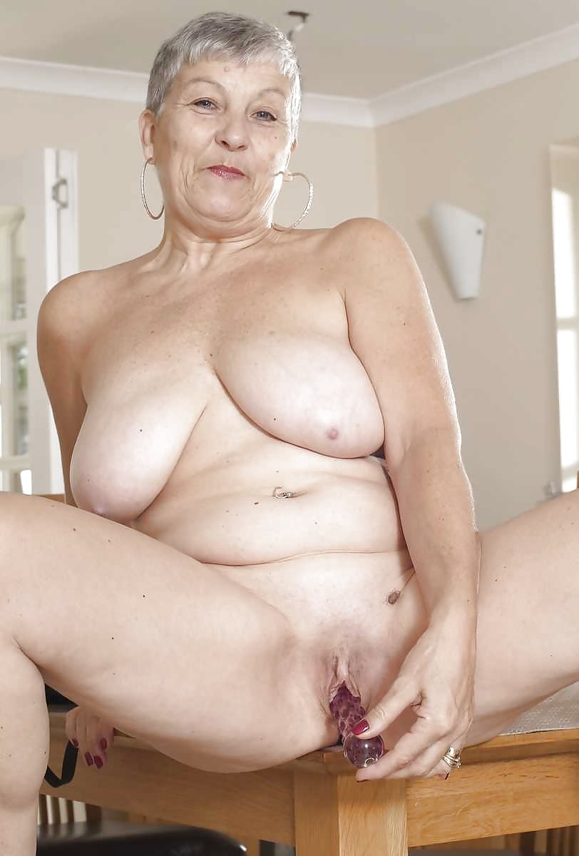 Little old lady pussy 12
