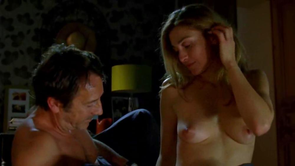 julie-bowen-sex-scene-anal