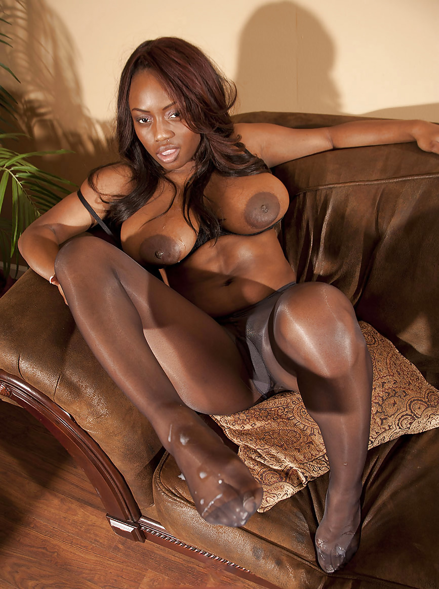 Free ebony nylon pictures galleries — photo 1
