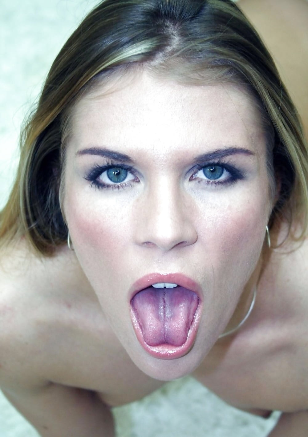 Hot babes naked in the mouth — pic 5