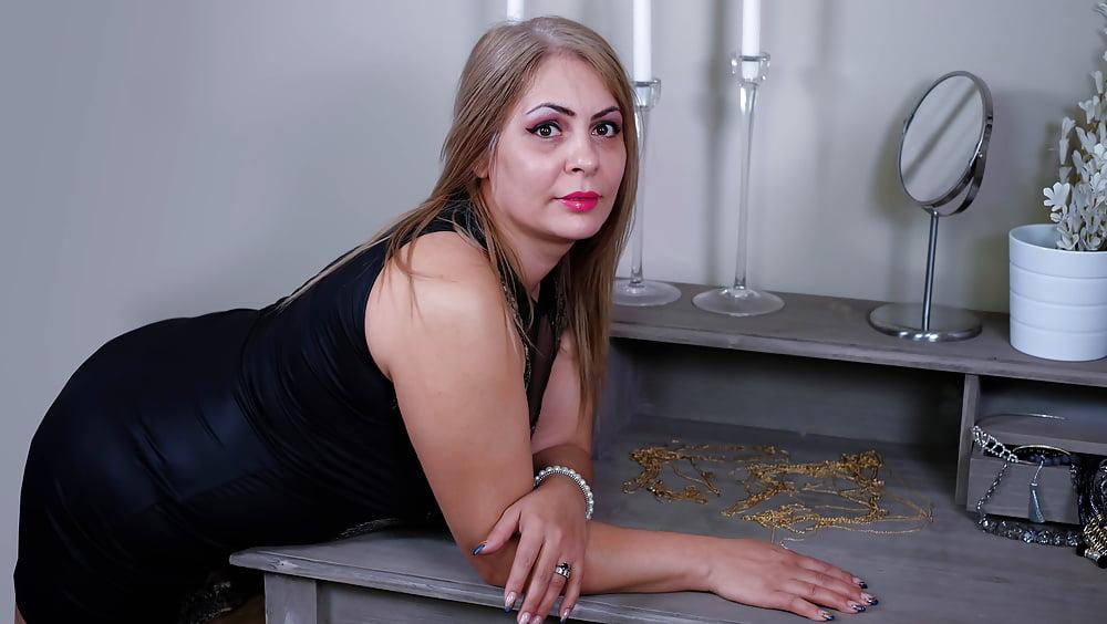 Cougar porn black-2373