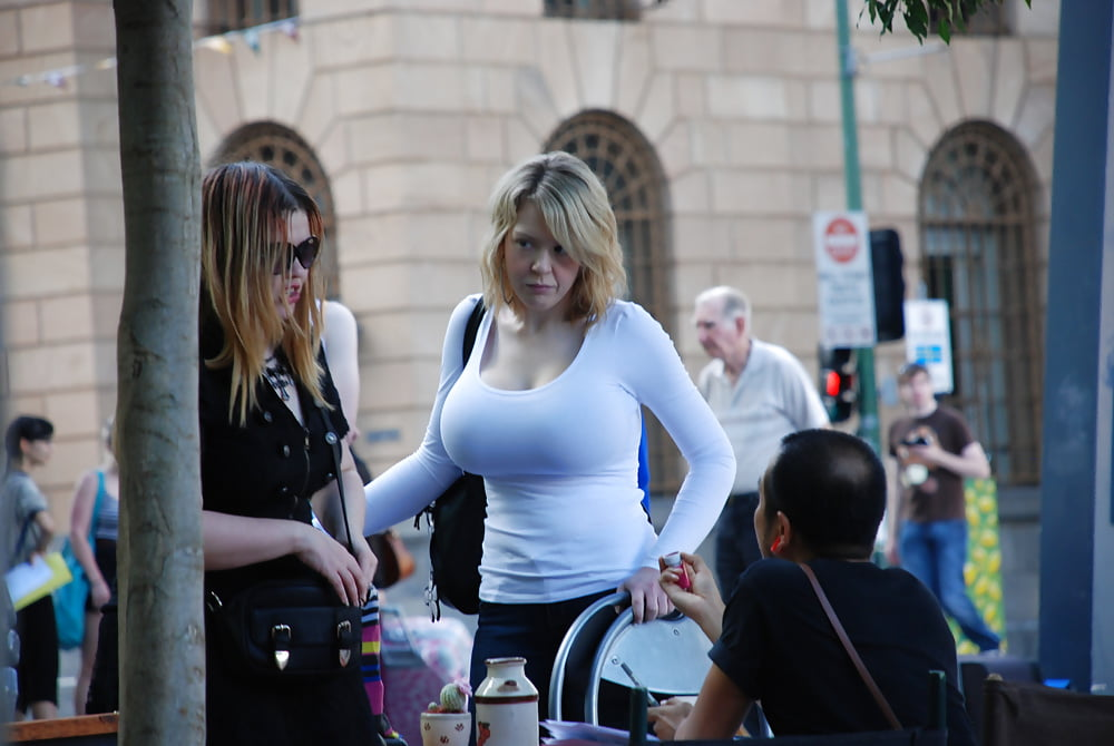 Girls candid breasts