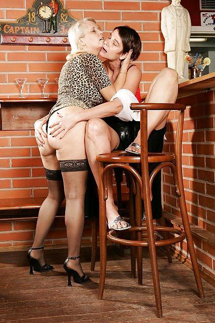 Lesbian seduces older women-6289