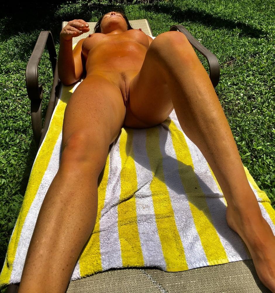 Naked females outside-6782