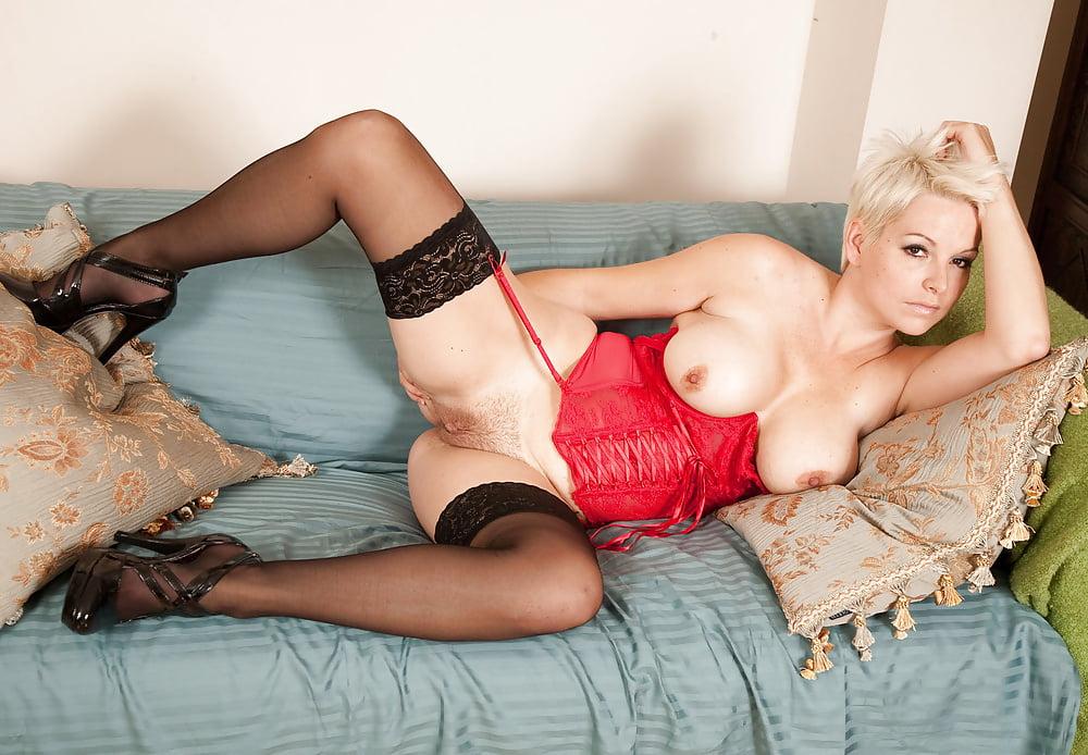 mature-stockings-blog