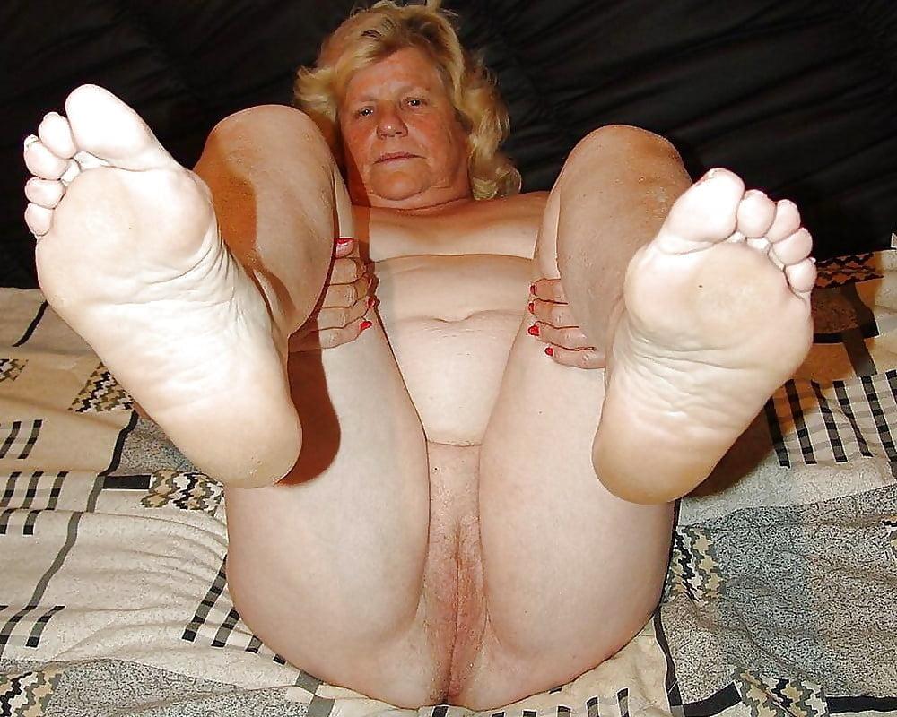 sexy-granny-toes