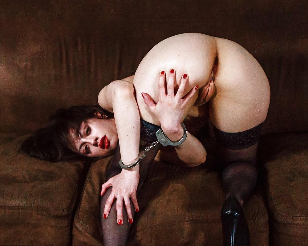 Romantic pain porn-1237