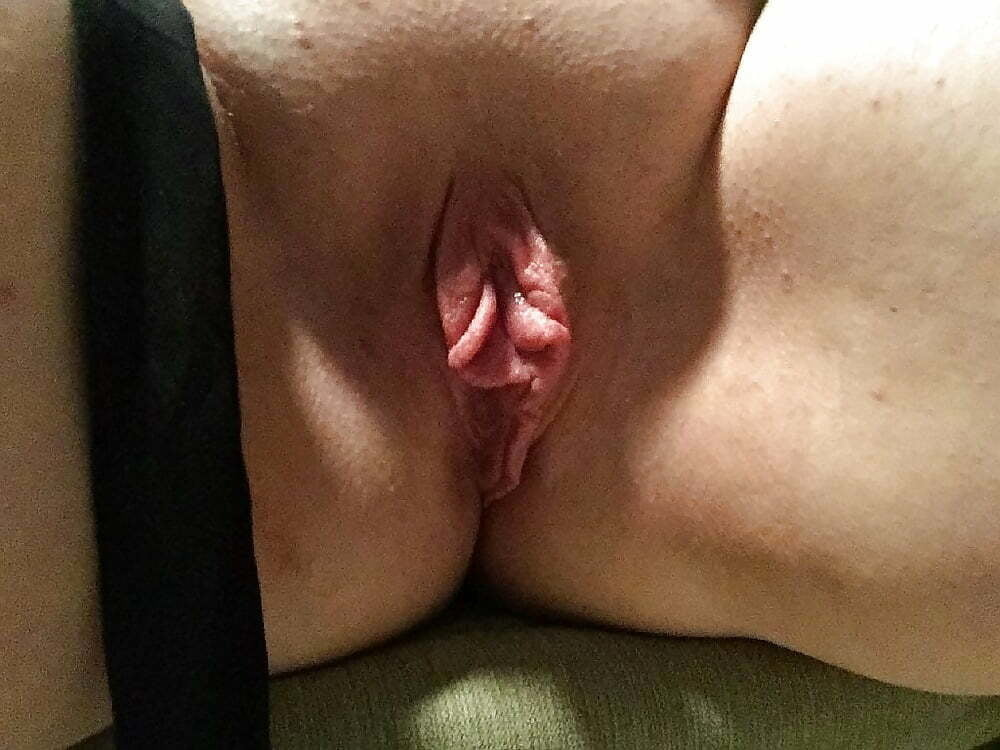 Low Hanging Pussy Lips Photos