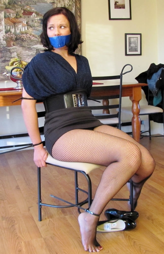 whore-pantyhose-bondage