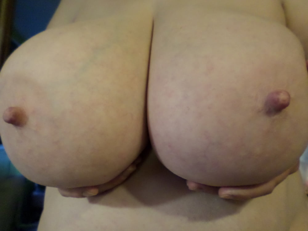 Natural boobs threesome-7588