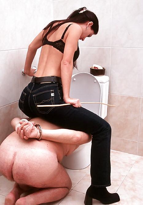 фото мужчины рабы-туалет у женщин - 7