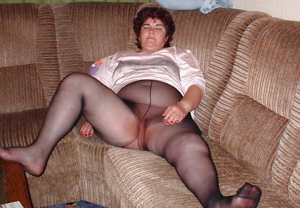 Free mature pantyhose pictures