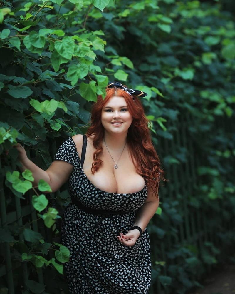 Wide Hips (111) - Curves - Big Girls - Thick - Fat Ass - 80 Pics