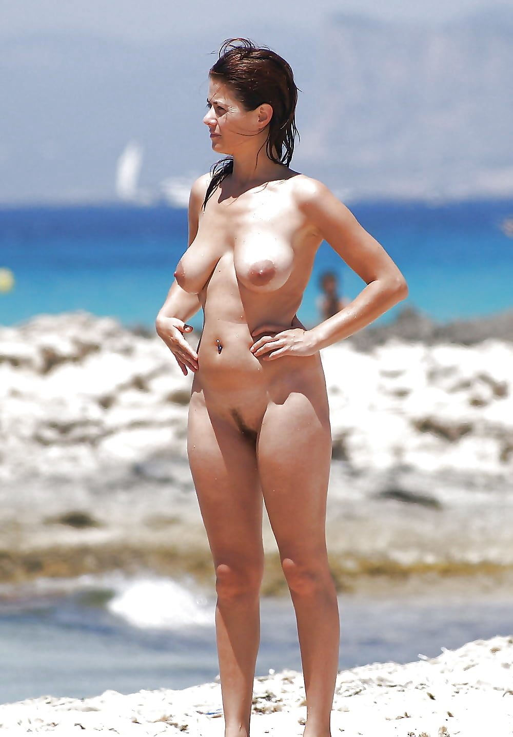 Hot naked spanish girl on beach — 3