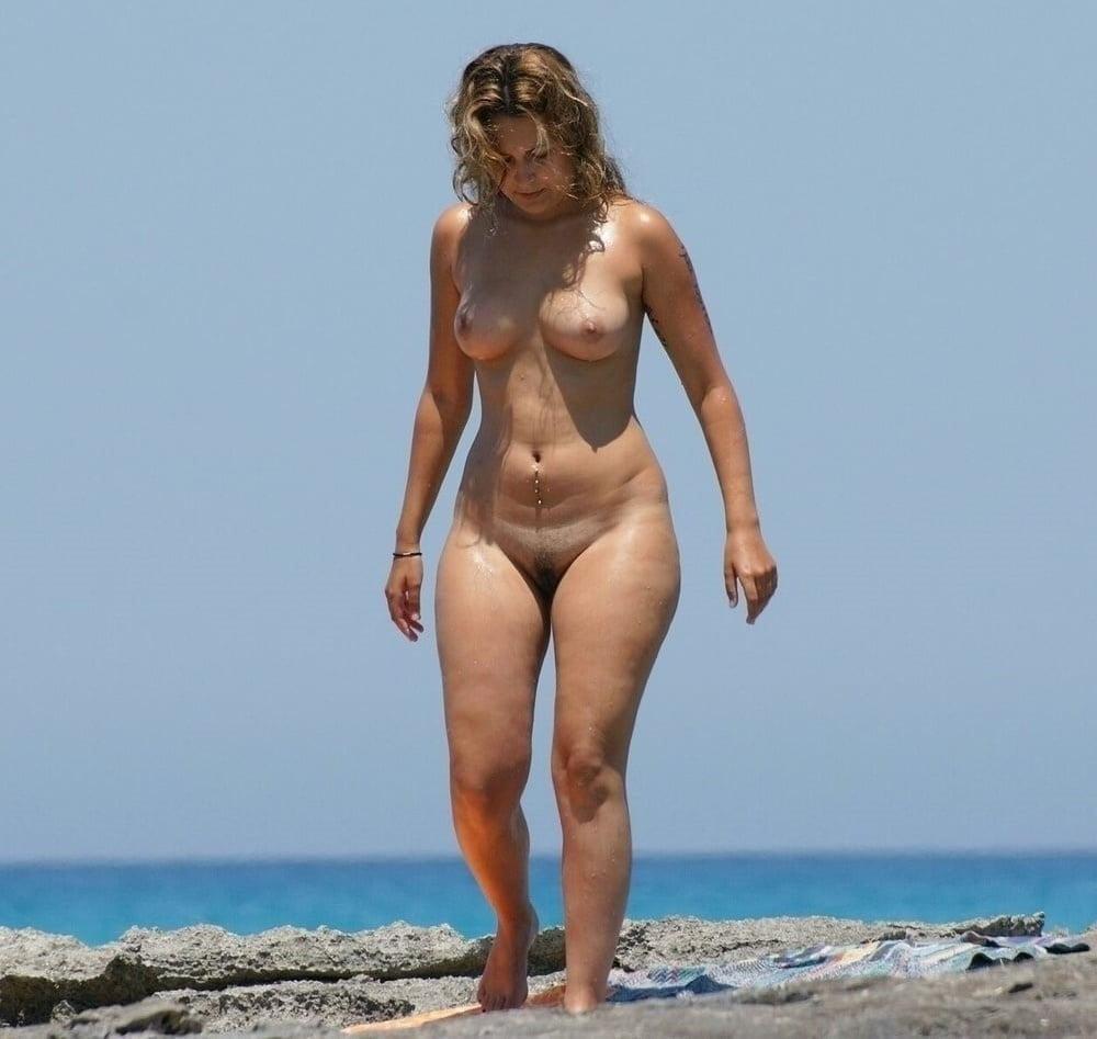 Голые бабы на диком пляже 3