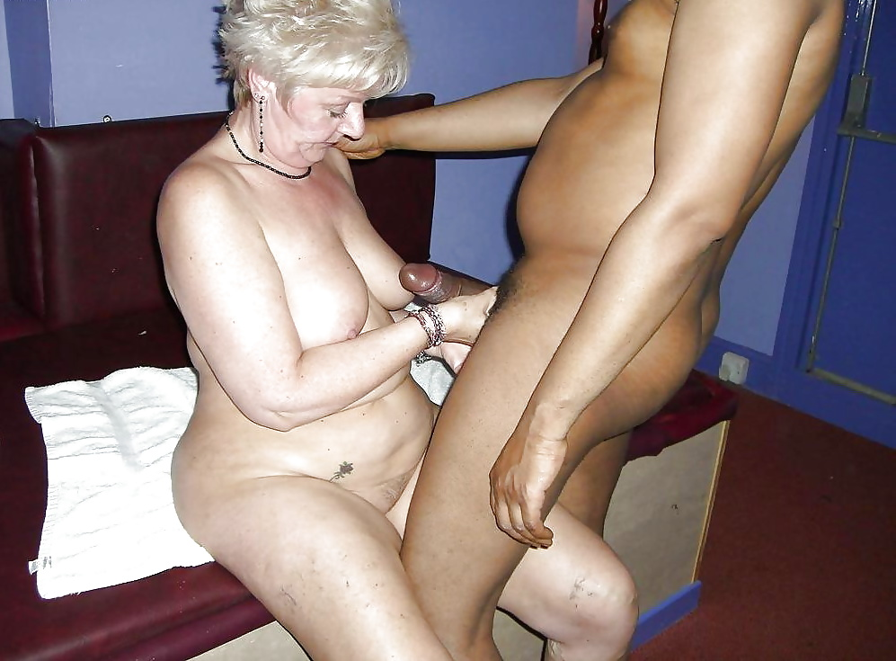 Granny fucking pic of the hour