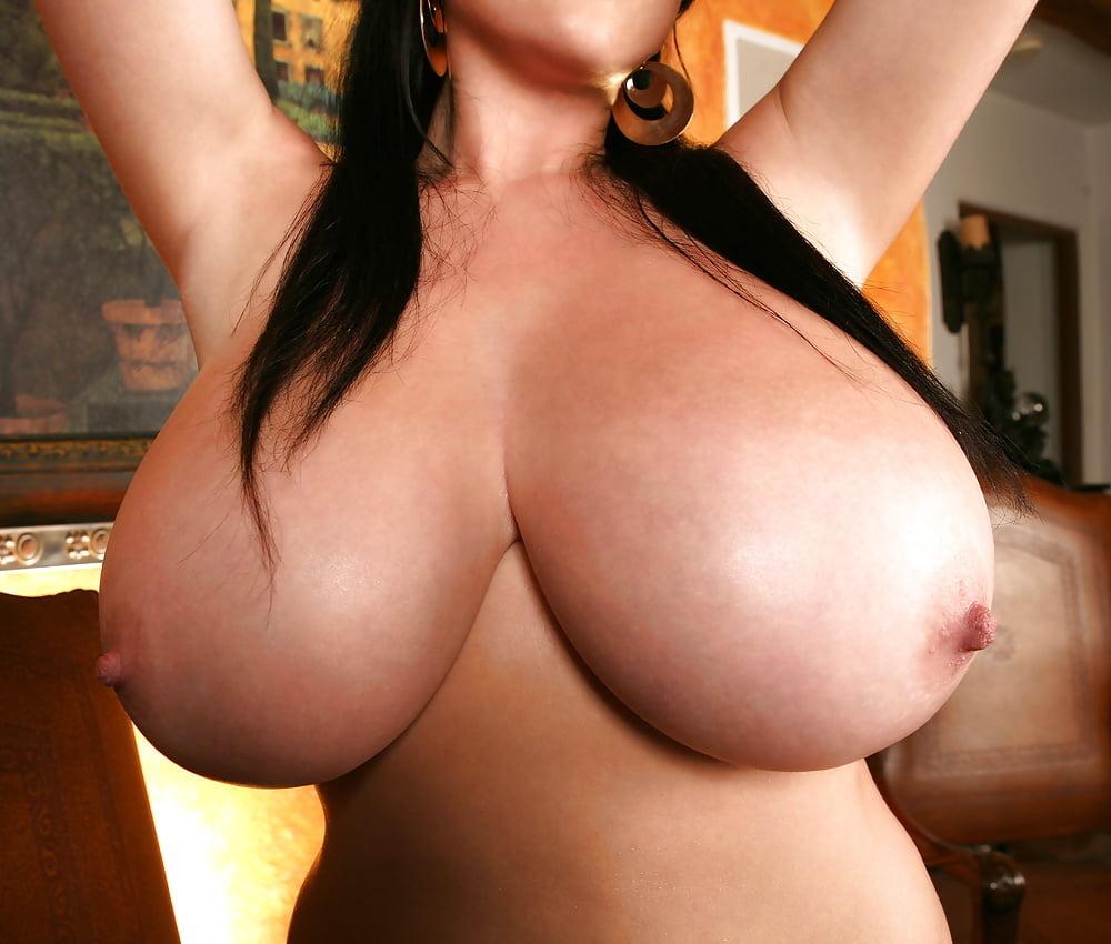 Самые большие сиськи в мире девушек фото 4