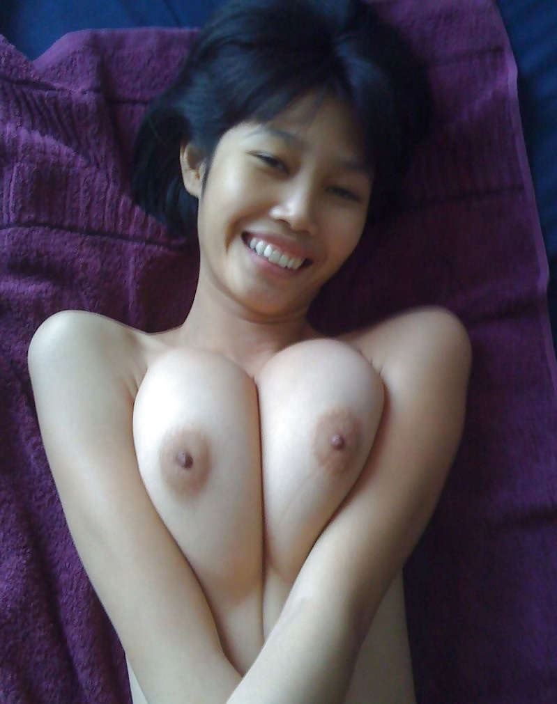Asian amateur with big breasts