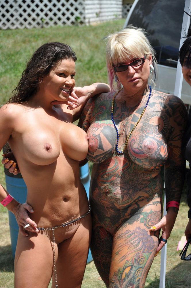 Tattoo Mature Porn Picture Galleries