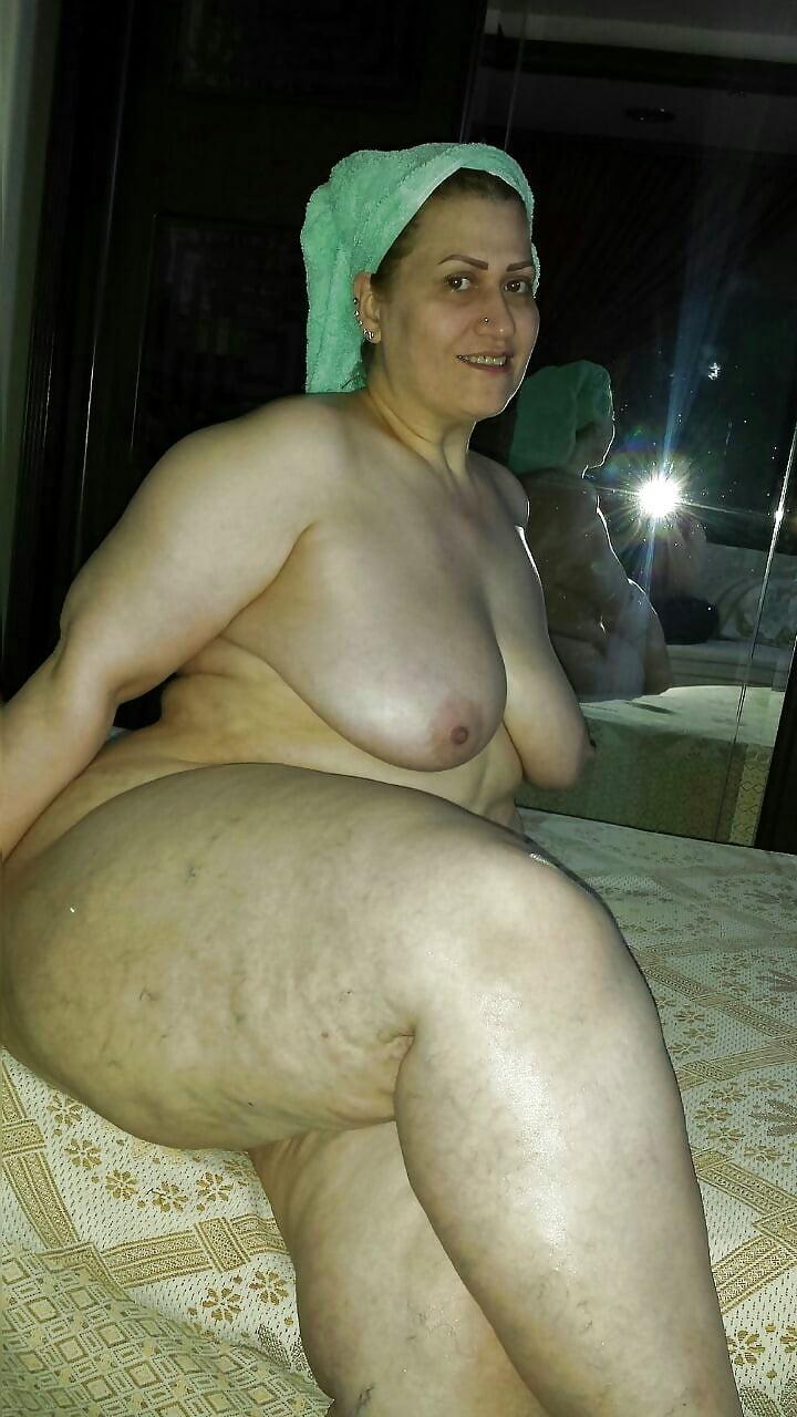 iraqi-fat-nude-blowjob-monique-alexander-facial